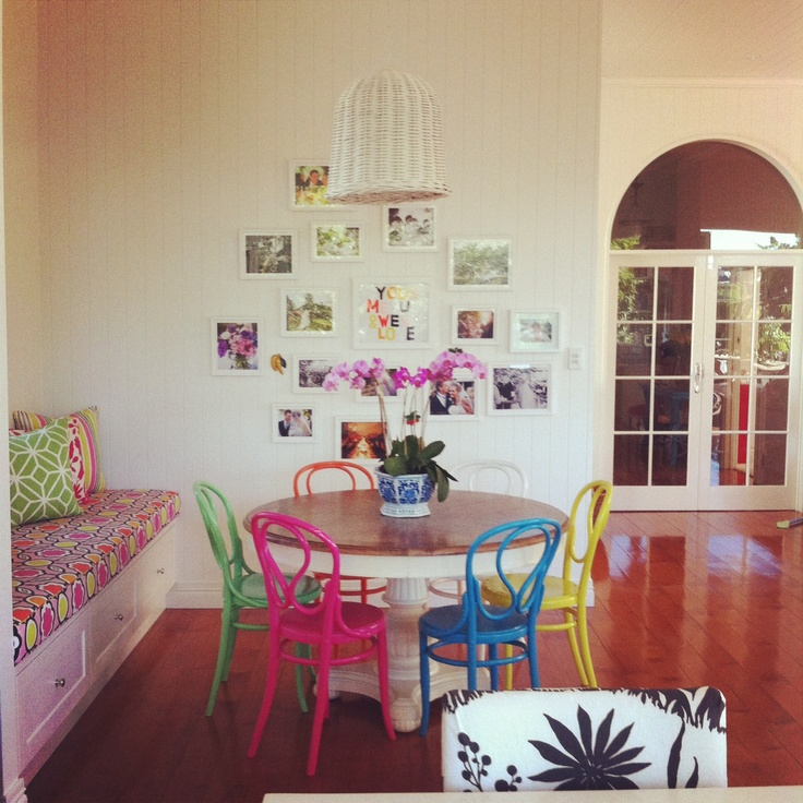 Colorful chairs via absolutely beautiful thingsDining Area, Kitchens Chairs, Round Tables, Painting Chairs, Colors Chairs, Dining Room Chairs, Bright Colors, Beautiful Things, Absolute Beautiful