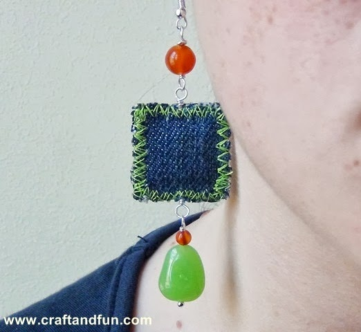 DIY earring with recycled old jeans, tutorial available