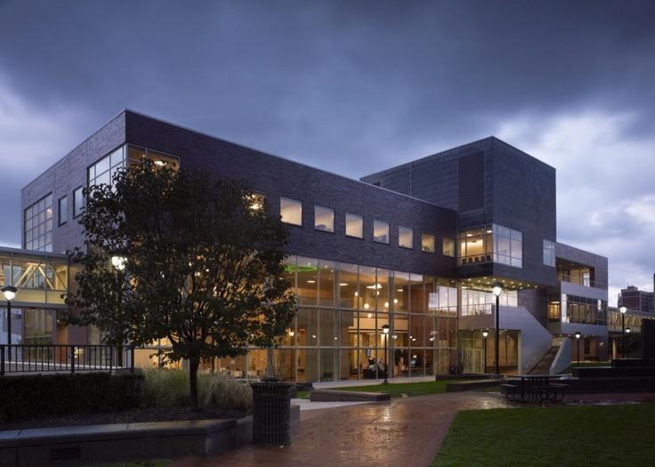 Cleveland State University Student Center / Gwathmey Siegel & Associates Architects with Braun & Steidl Architects