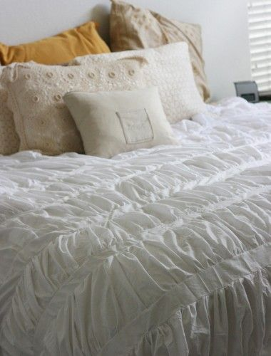 I have always LOVED this duvet at Anthropologie and now a tutorial so I can do my own for $45! woo-hoo!