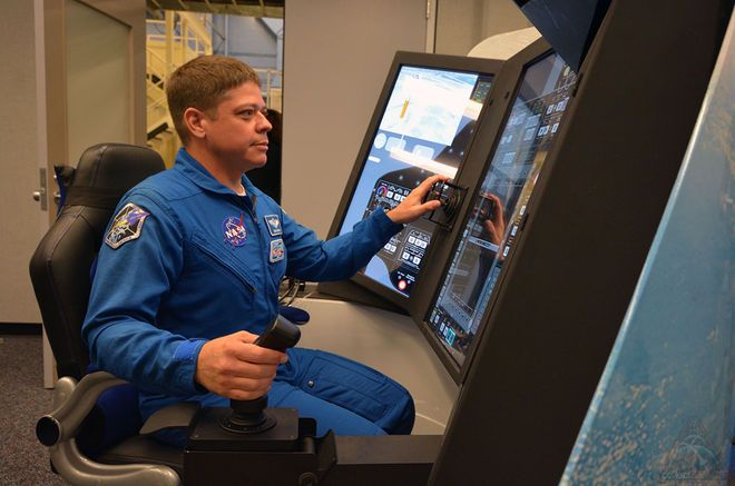 Boeing's Starliner Crew Trainers Installed in Historic NASA Simulator Facility