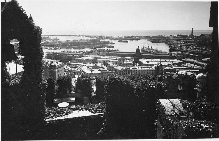 Genova e il porto visti da Castello d'Albertis (Photo: Studio Agosto, anni '30)