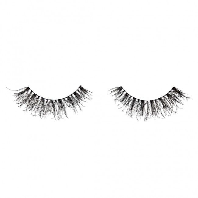 Made with a light multi-layered pattern of 8mm, 9mm, and 11mm (B and C Curl), this oh-so wispy lash style is made with a thin flexible band for that natural-comfort look. Your lashes are sure to flutter even more beautifully than the leaves. Includes: Glad Lash Strip & Flare Lash Glue Lash Lock (*This adhesive contains latex so be sure to check for latex sensitivity before use*) Plastic applicator Packaging: 5 GladGirl box styles available - shipped randomly. Collect them all - which G...