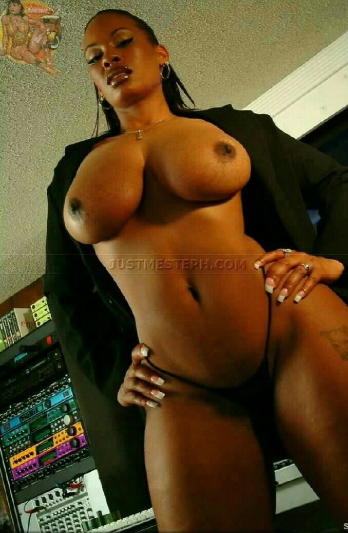 ebony milf light skin