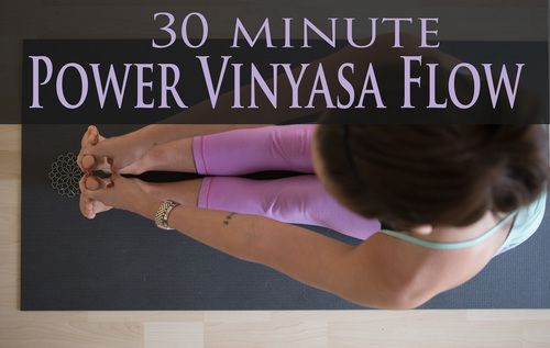 Pin it! A 30 minute power vinyasa flow video you can do right at home. Wearing: Lululemon wunder under crops (similar), forever21 tank. Using: Wellicious divine mat.