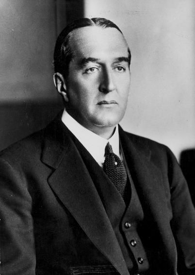 :Stanley Bruce. Viscount Bruce..Elected 1925, 1928. Supported the British Empire, the League of Nations, and the White Australia Policy; Maritime Industries crisis. Defeated (and lost his own seat) 1929.