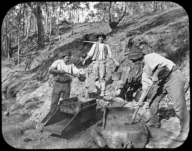 Miners cradling for gold at Box Ridge near Sofala - 46 km from Bathurst - circa 1870. #NSW #throwbackthursday http://www.trade.nsw.gov.au/legal/copyright