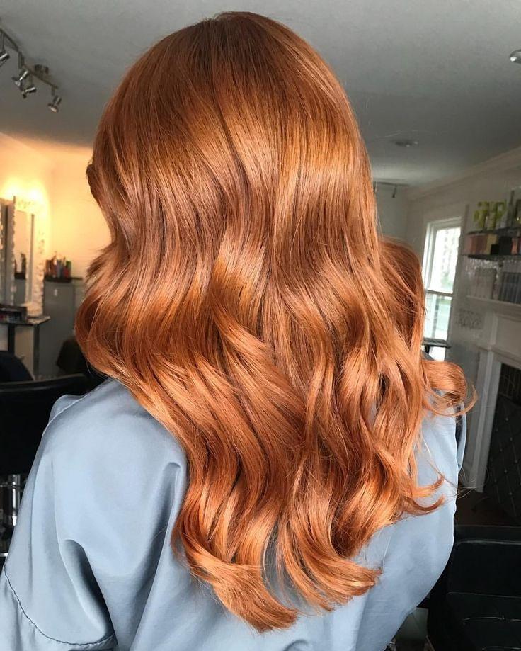 Schönes kupfernes Haar