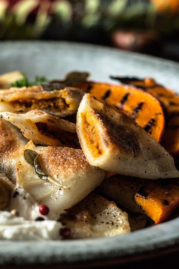 glutenfreie und vegane Ravioli mit cremiger Kürbis-Füllung! Glutenfreies und veganes Weihnachtsmenü 2017 mit glutenfreien Ravioli ohne Eier als Hauptspeise von freiknuspern