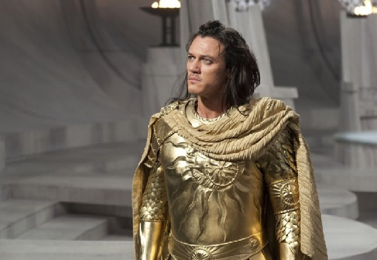 Luke Evans as Zeus in Immortals. | famous guys and girls ...