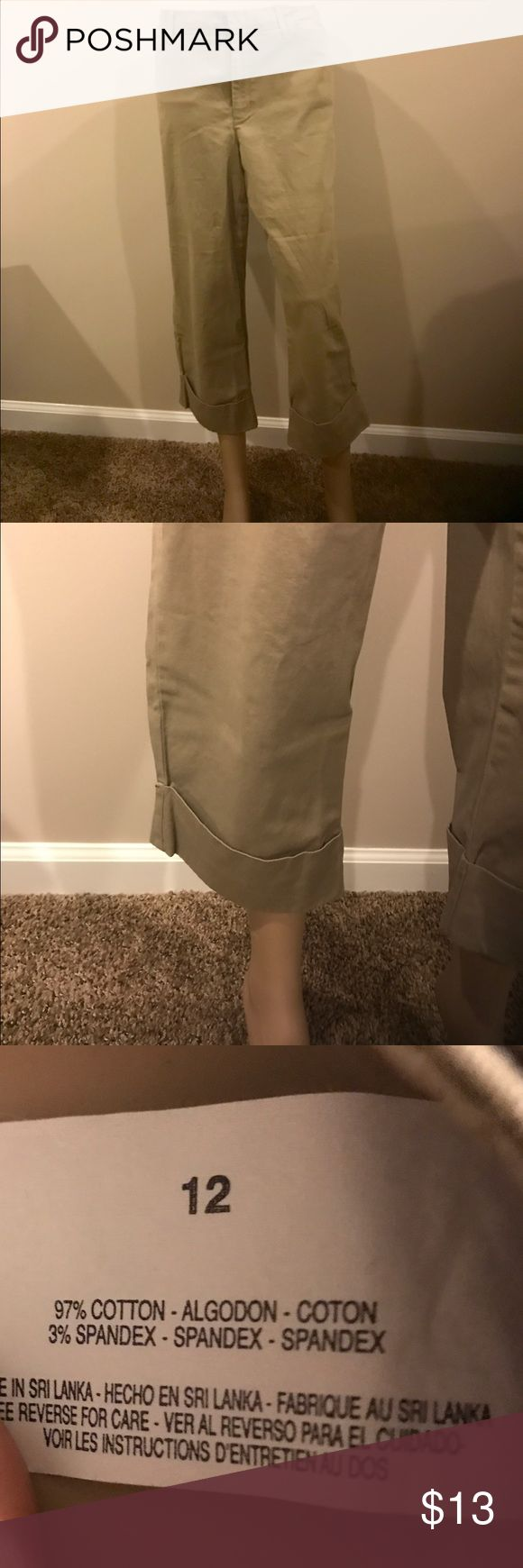👡 👜 Khaki Capris 👜👡 Previously loved by me.... These Capris fit great and are very nice and comfy. Size 12. Pants Capris