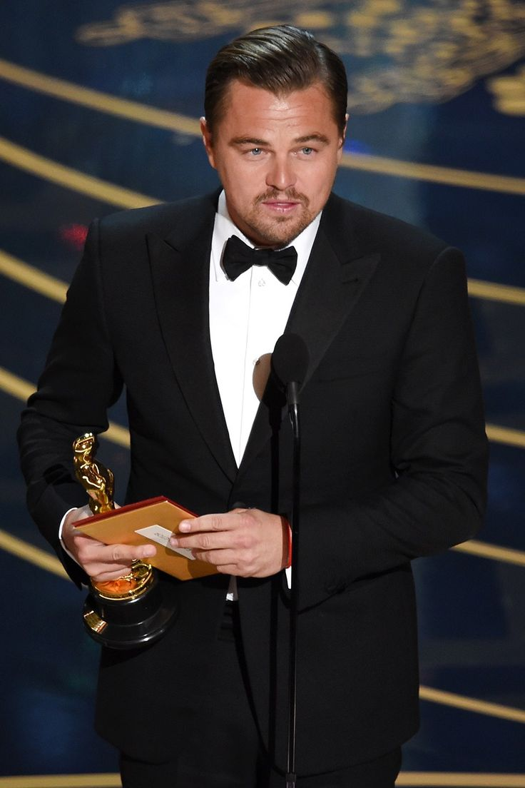 Leonardo DiCaprio and His Oscar | Best Oscar Couples