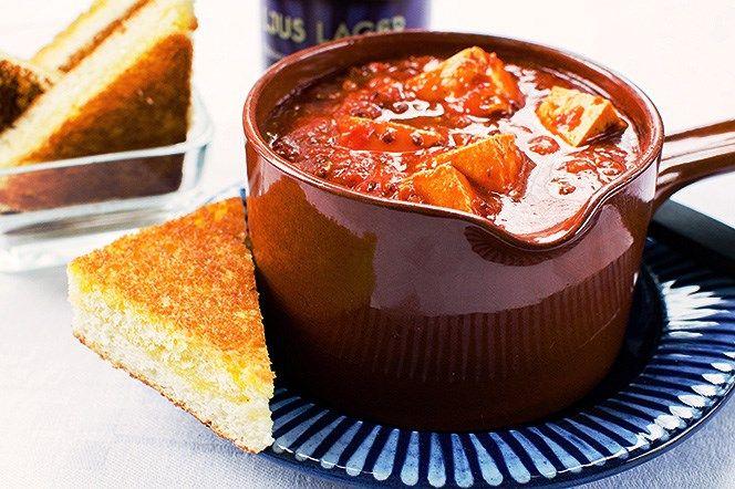 Tomatsoppa med marinerad tofu och quinoa