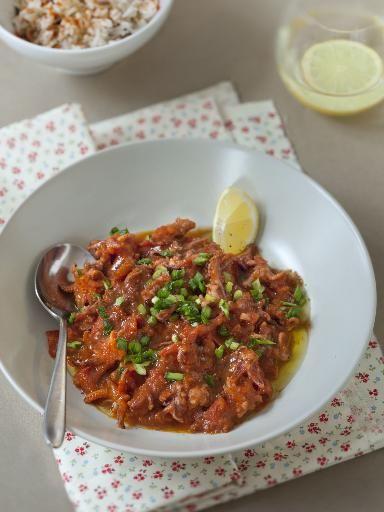 armagnac, échalote, calamar, beurre, ail, piment d'espelette, mûre, persil, coulis de tomate