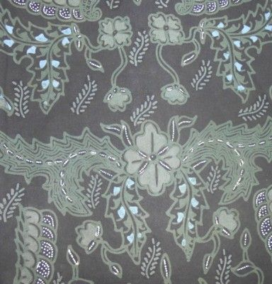 Natural Color Primissima Cotton Batik – Green Flower Motif