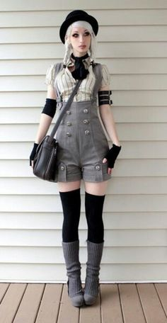 I really like bibs like these - I'd like these a little more if they were wide-legged trousers instead of shorts, but they flatter her really nicely.