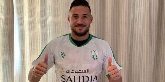 الأهلي السعودي يعلن موعد إنضمام يوسف بلايلي للتدريبات Long Sleeve Tshirt Men Mens Long Sleeve Mens Tops