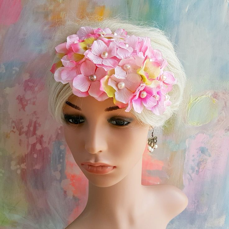 Fascinator med pink kirsebærblomster og perler