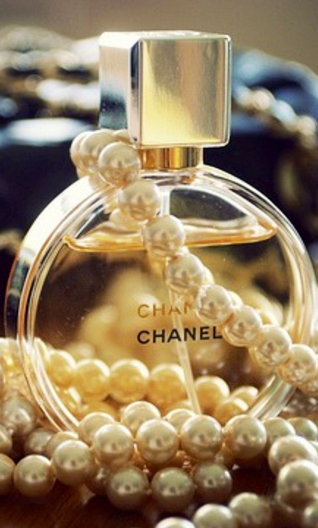 Chanel Chance perfume <3 I want pink version