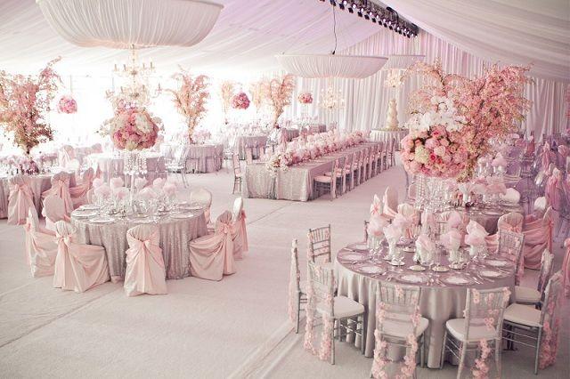 ► Disposición de los asientos para una boda rosa. #boda #rosa