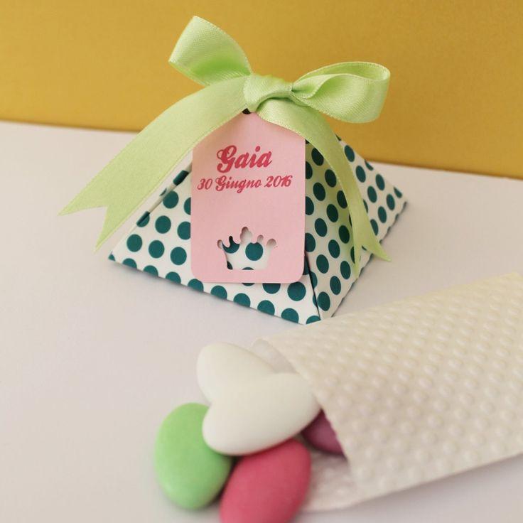 scatolina piramide a pois con tag personaliozzata battesimo / nascita / compleanno di PickaPack su Etsy
