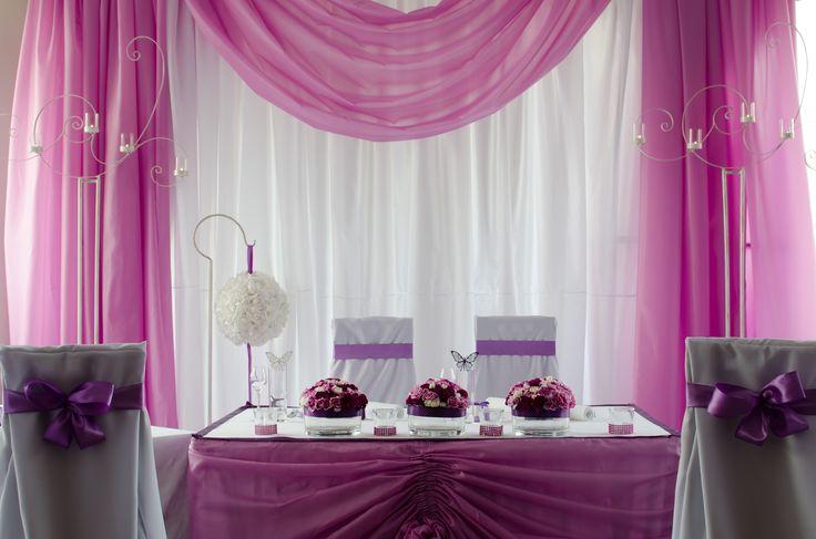 Stół weselny Pary Młodej.