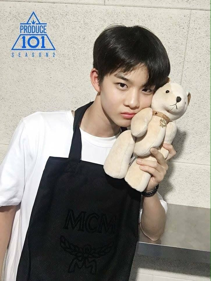 That teddy bear is so lucky ❤