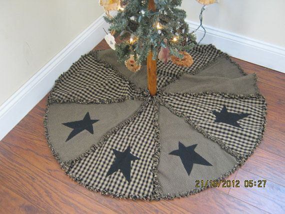Raggy Primitive Christmas Tree Skirt by kbardo on Etsy, $48.00