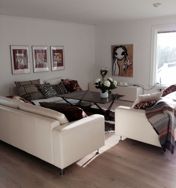 Livingroom with missoni cushions and throw