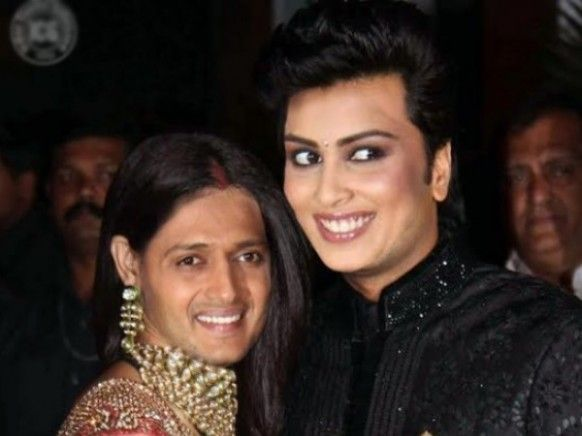 Ritesh Deshmukh Curly Hairstyle In 2020 Curly Hair Styles Latest Haircuts Haircuts For Men