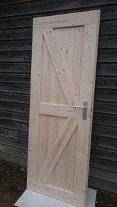 Steigerhouten deur met schoor. Maat 83 Breed x 201,5 Hoog 129,-euro Maat 93 Breed x 211,5 Hoog 139,-euro  Ook opdekdeuren mogelijk  Alle maten deuren mogelijk, ook dubbele deuren. Ook inslusief...