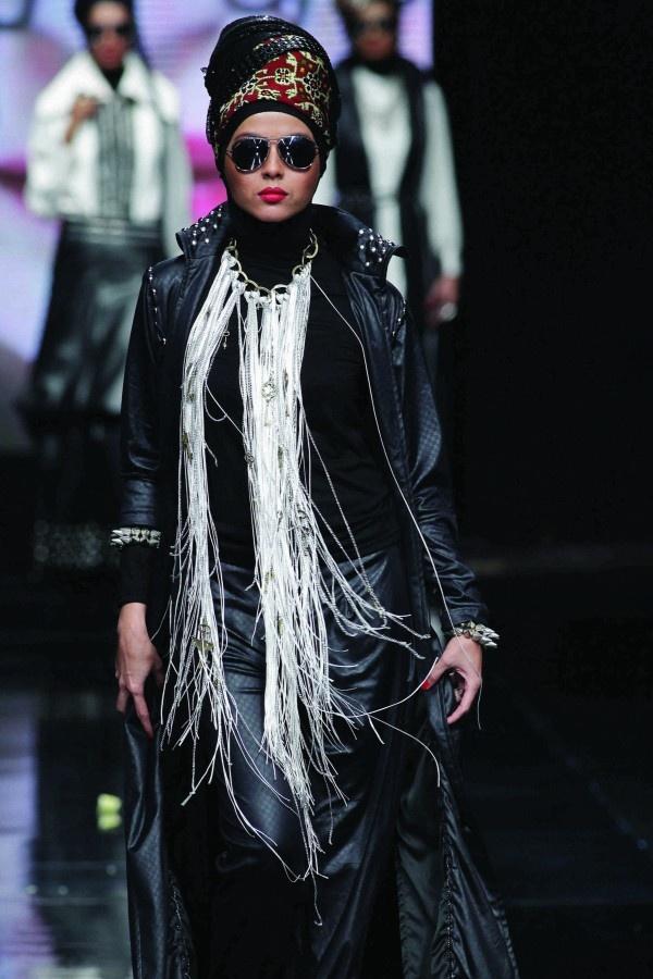 Hannie Hananto - JAKARTA FASHION WEEK 2012