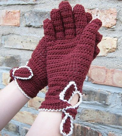 Source: http://www.ravelry.com/patterns/library/agnes-gloves