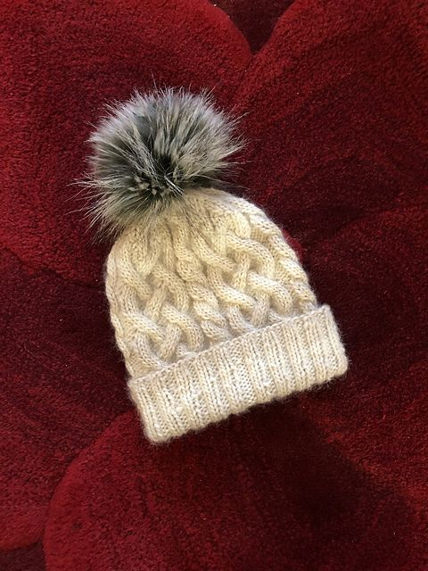 ce1d6fd5b17 Ravelry  Project Gallery for Traveling Cable Hat pattern by Purl Soho