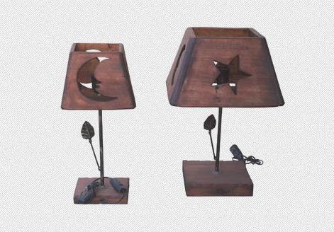 Veladores de hierro y madera