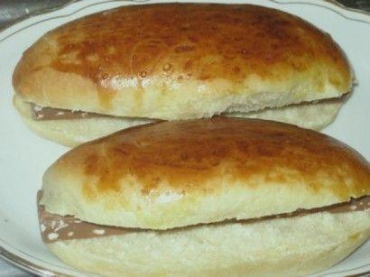 MALZEMELER: 500 gr un, yarim paket yas maya, 2 yumurta, 1 yemek kasigi tozseker, ceyrek paket margarin(yaklasik 60 gr) 1 seker kasigi tuz1 su bardagin...