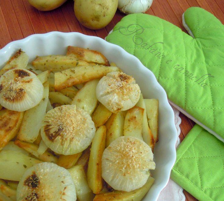 Patate al forno con cipolle  http://blog.giallozafferano.it/rafanoecannella/patate-al-forno-con-cipolle/