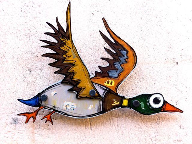 Germano http://www.pisacanearte.it/index.php/artisti/y/yux/yux-germano-acrilico-pastelli-a-cera-e-manifesti-su-alluminio-e-bulloni-60-cm.html