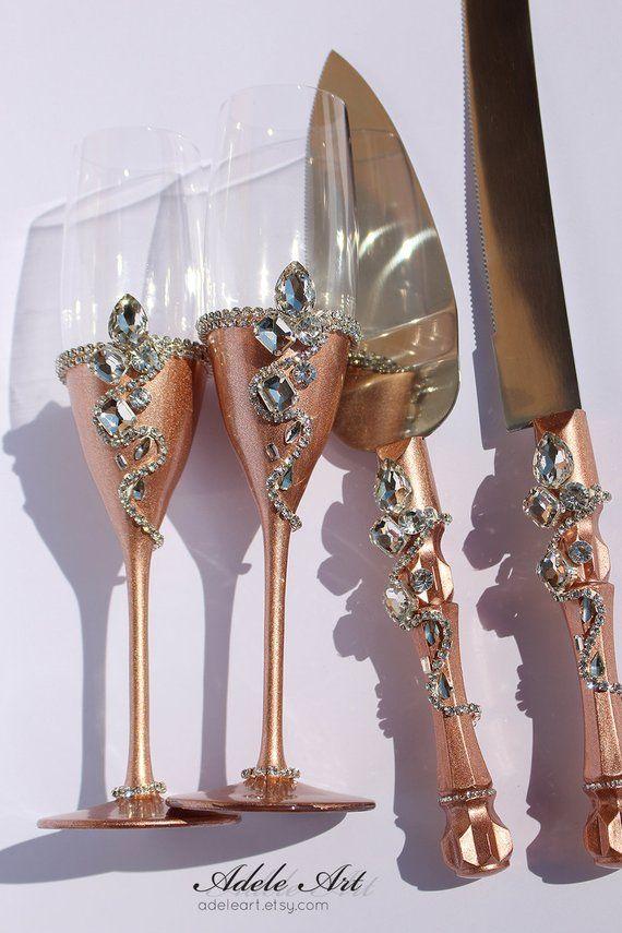 Rose Gold Set Of 4 Pcs Wedding Flutes Set And Cake Cnife Set Etsy Wedding Champagne Glasses Rose Gold Wedding Decor Crystal Wedding Decor