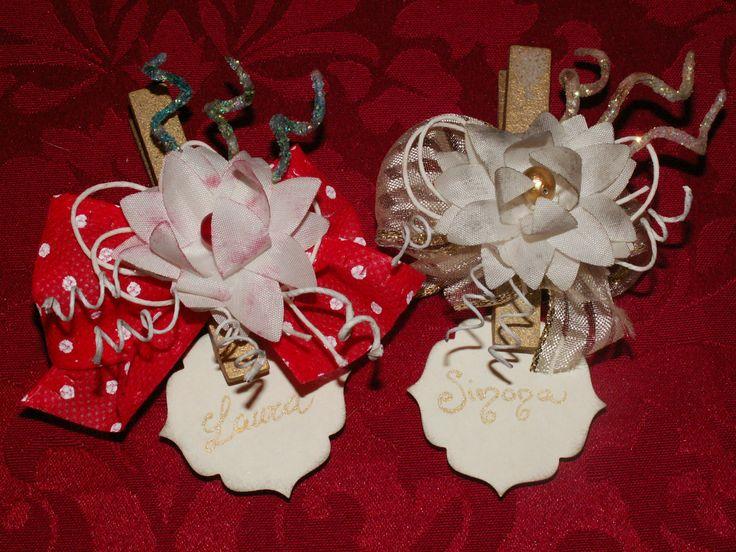 Segnaposto 2.0.. a Natale anche le mollette per stendere i panni si vestono a festa!!