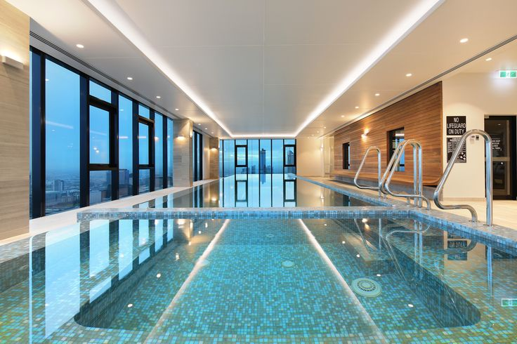 Platinum Tower pool is located on level 52, which means you get amazing views while relaxing.