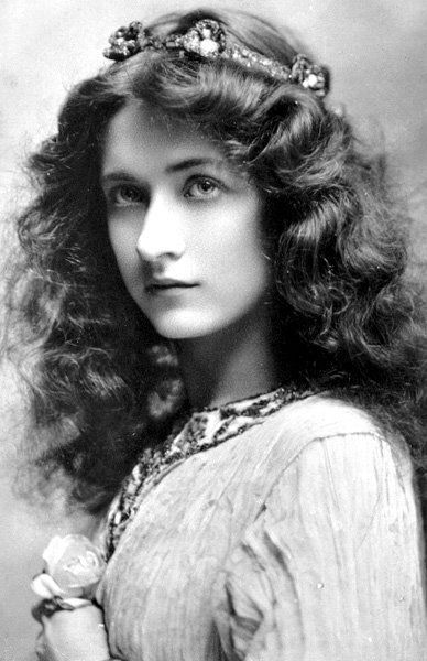 "hellpiglet: "" rckrbelle: "" Just discovered American actress Maude Fealy. Wow, what a beauty. "" she was a lesbian "" She had an affair with Eva Le Gallienne, a lesbian who called love between women ""the..."