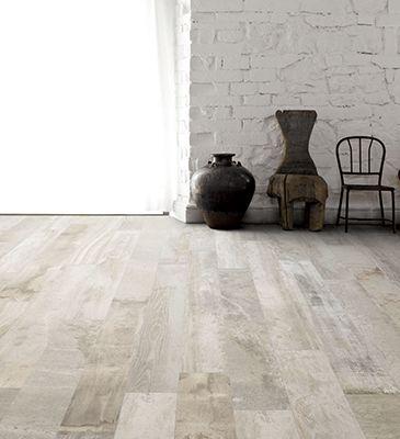 Les 25 meilleures id es de la cat gorie couleurs de planchers de bois franc sur pinterest for Peinture plancher en bois