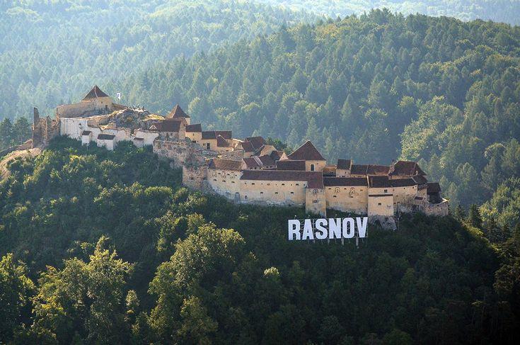 Cetatea Râşnov. (  Dragoş Asaftei  )