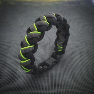 how to make paracord braided bracelets