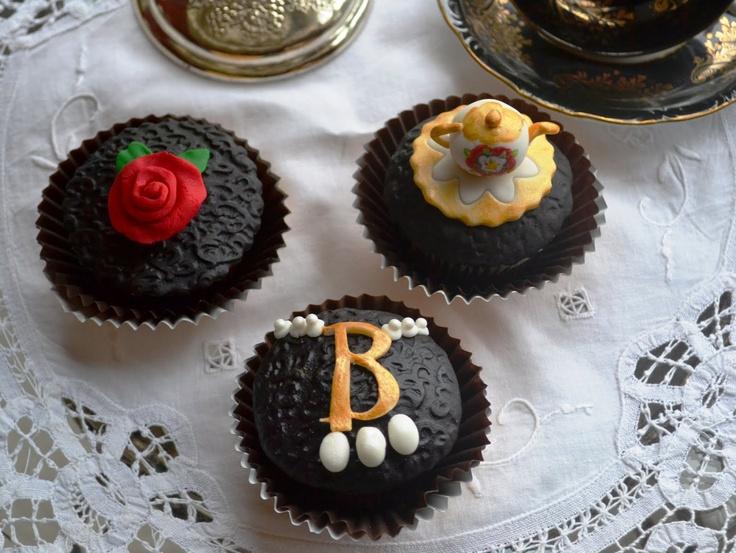 Anne Boleyn cupcakes