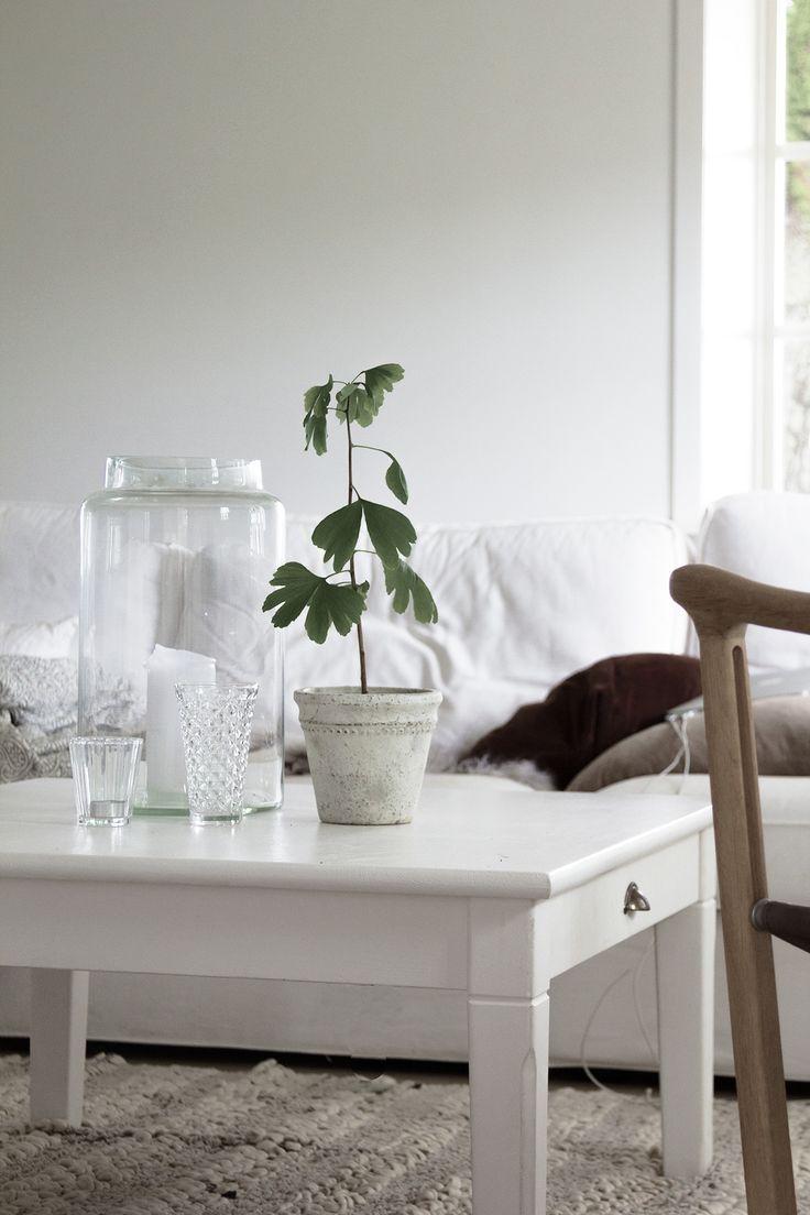 livingroom white home