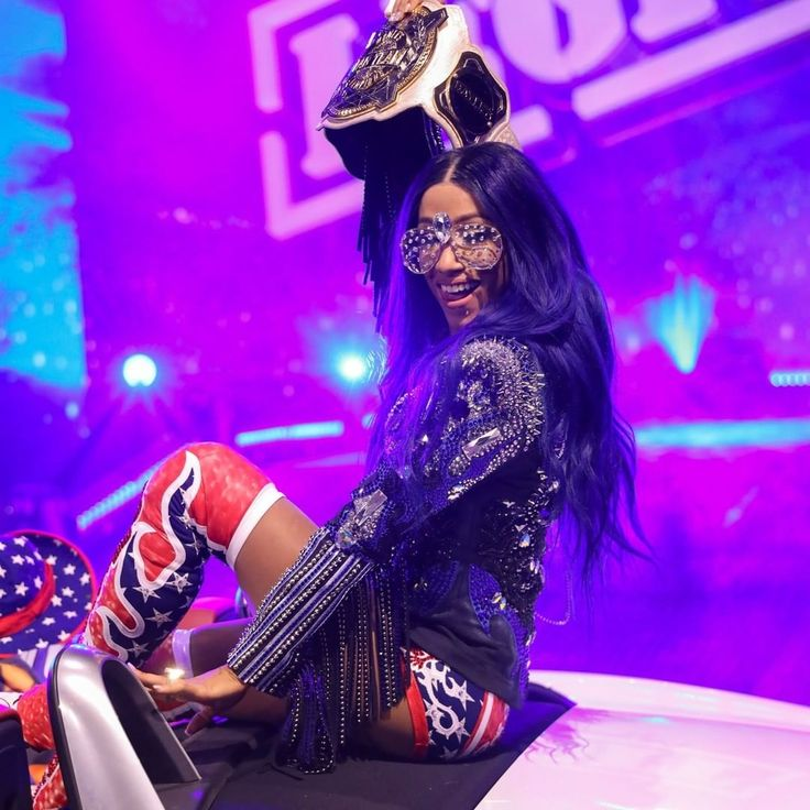 WWE NXT no Instagram: From @sashabankswwe to @tonynese