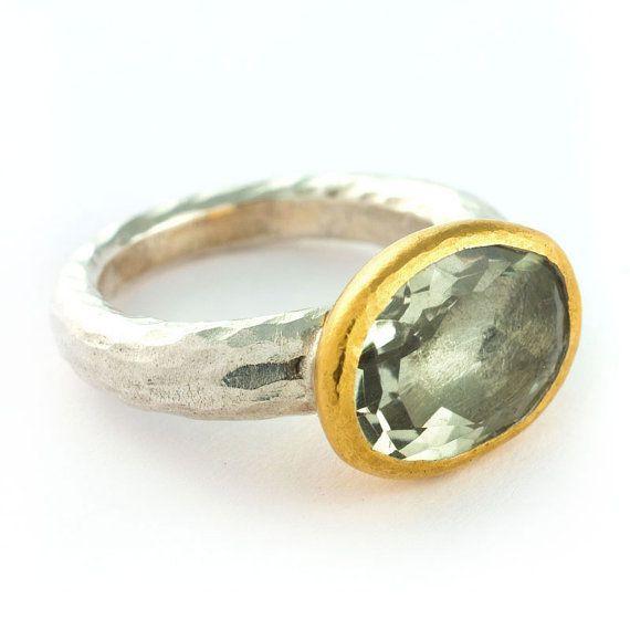 Zilveren ring met een peridot edelsteen in een door COCOCCIJewelry, €595.00