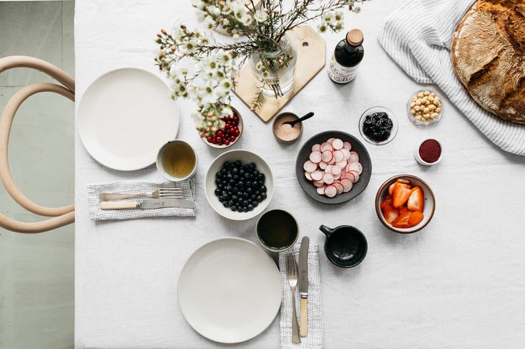 Table Setting / Renee Kemps
